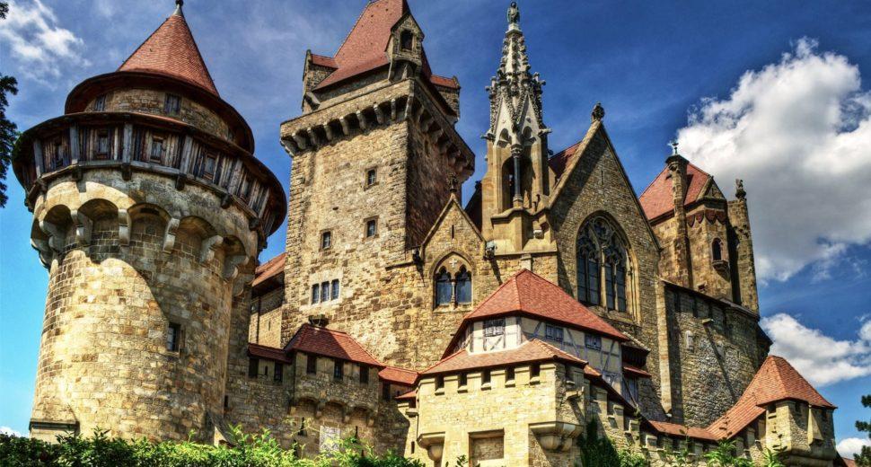 Чудесный замок Австрии.