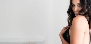 Фотосессия девушки для брачного агентства