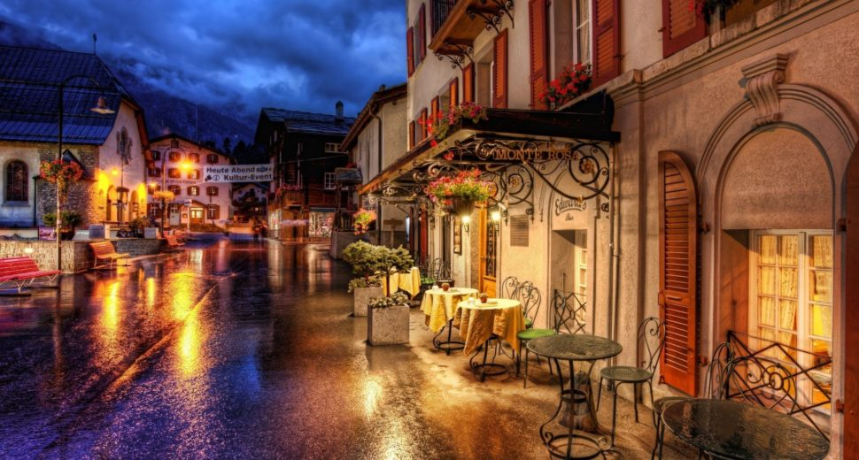 Романтический ужин с швейцарцем в уютном кафе.